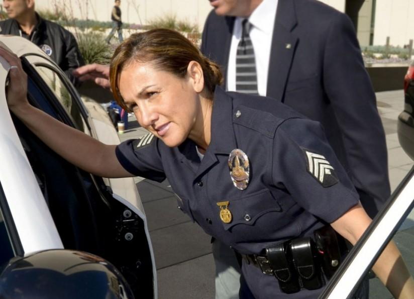 FEMALE POLICE DETECTIVE