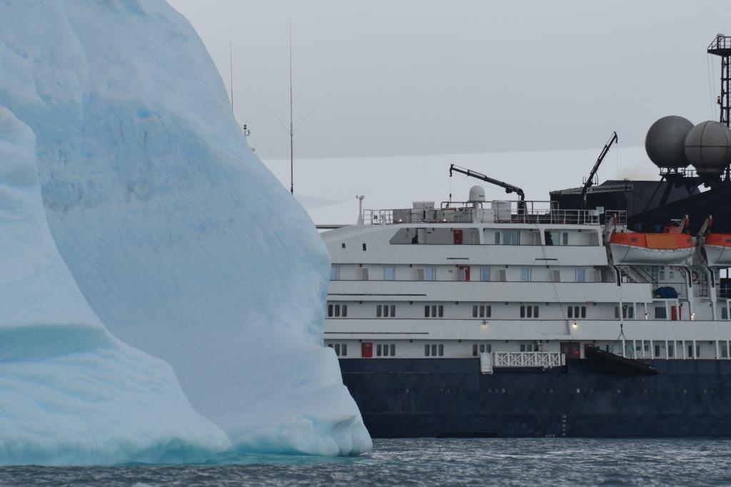 Transport by OAT's ship, the Corinthian